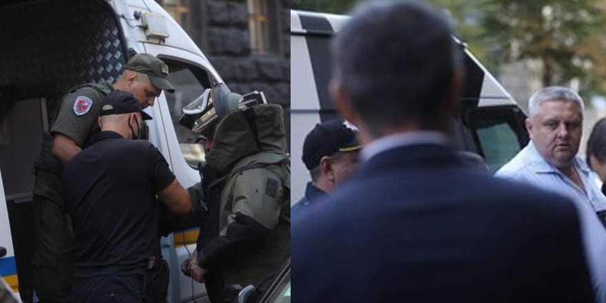 Ukrayna' bir kişi hükümet binasına el bombasıyla girdi