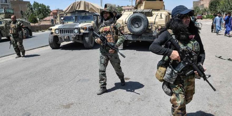 Taliban, ABD'yi, Afganistan vatandaşlarını ülkelerinden kaçmaları için teşvik etmekle suçladı