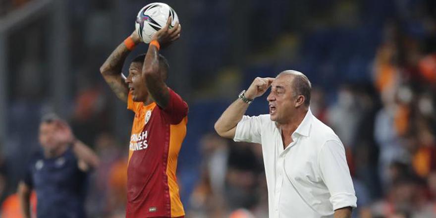 Galatasaray 10 kişi tamamladığı maçtan beraberlikle ayrıldı