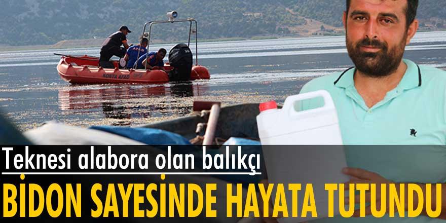 Beyşehir Gölü'nde teknesi alabora olan Mevlüt Uyanık, bidon sayesinde hayatta kaldı