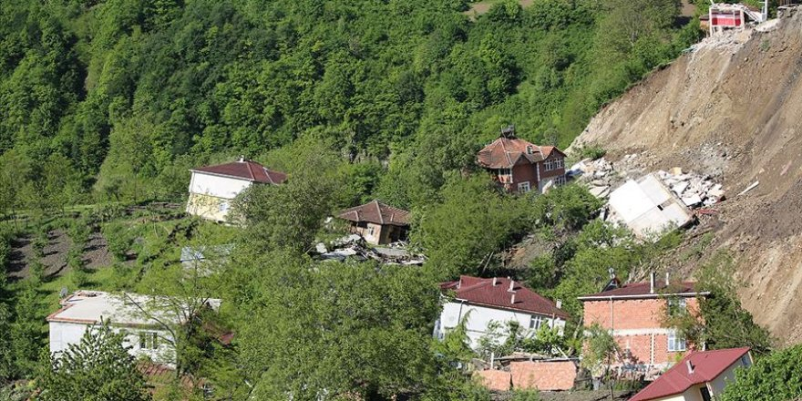 Ordu'da heyelan: 15 ev yıkıldı