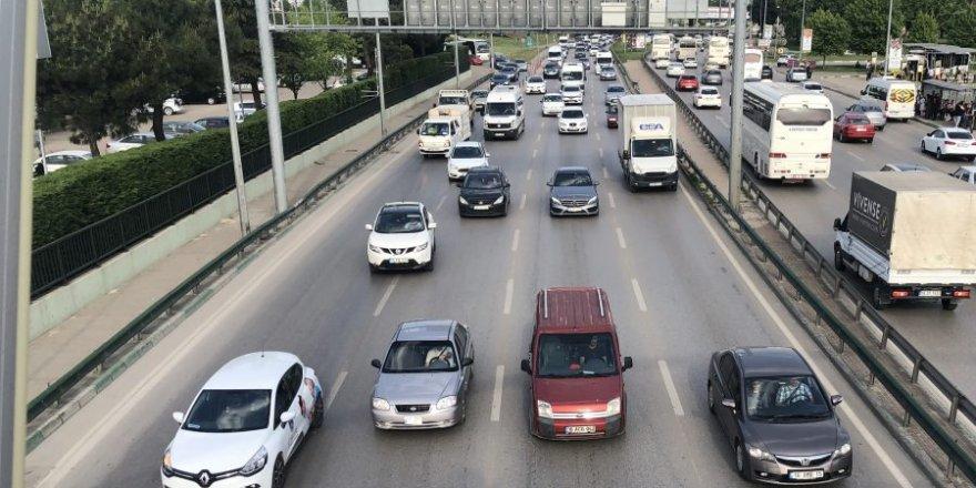 Açık renkli araçlar koyulara göre daha az yakıt tüketiyor