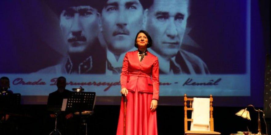 Kemal müzikal belgeseli 100. yıl turnesinde