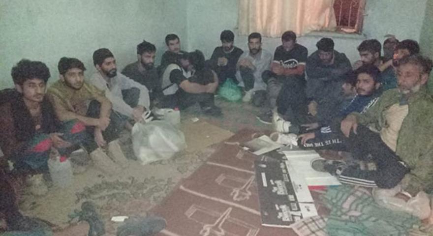 Van'da, evde 43 kaçak göçmen yakalandı; organizatör tutuklandı