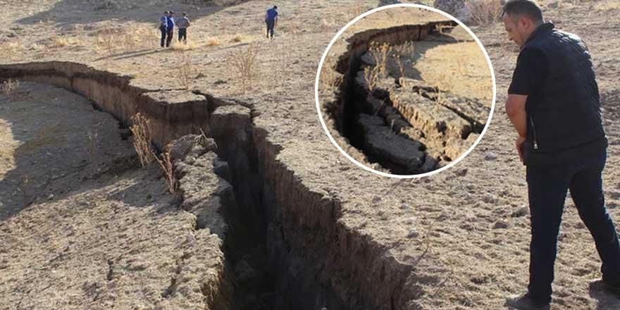 Konya'da oluşan ilginç obruk görenleri şaşırttı