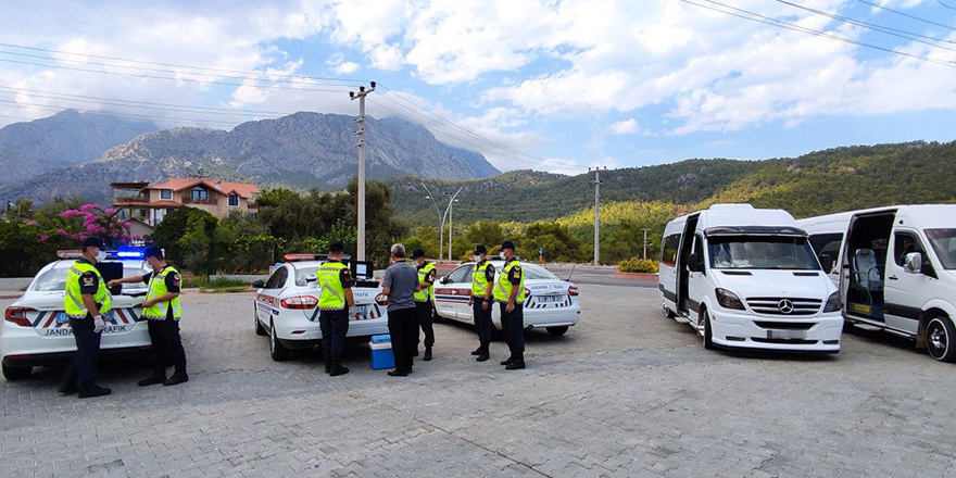 Jandarma ekipleri ilk kez uyguladı, servis şoförü pozitif çıktı