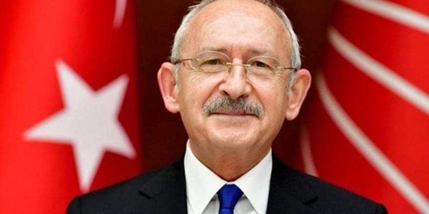 Kemal Kılıçdaroğlu, 'Sizi seviyorum gençler' notuyla uzun yol müzik listesini paylaştı
