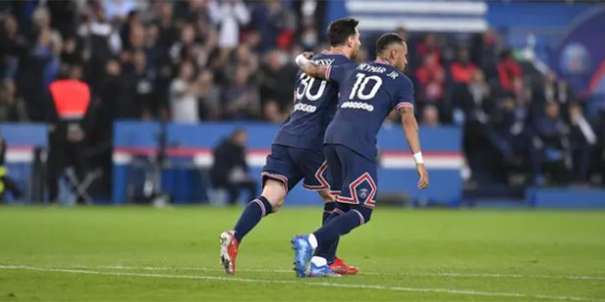 Messi'li PSG, Olympique Lyon'u 2-1 yendi