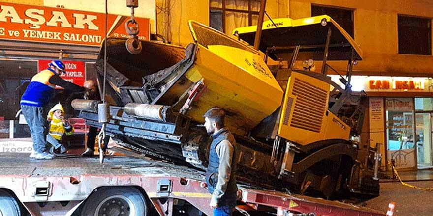 Bayrampaşa'da akılalmaz kaza! İş makinesi...