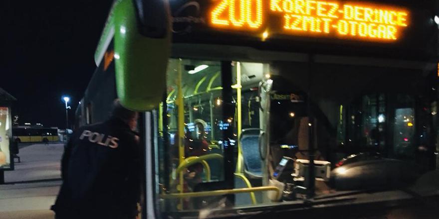Otobüsten inmeyen koronavirüs hastası kadını polis indirdi