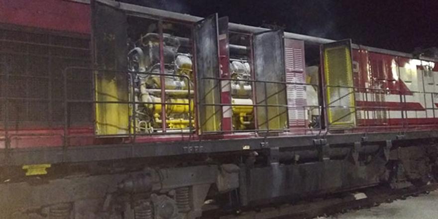 Tokat'ta yük treninin lokomotifi yandı