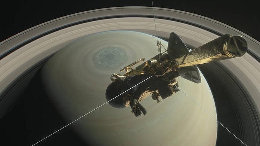 NASA Cassini'nin 'büyük finalini' başlatıyor