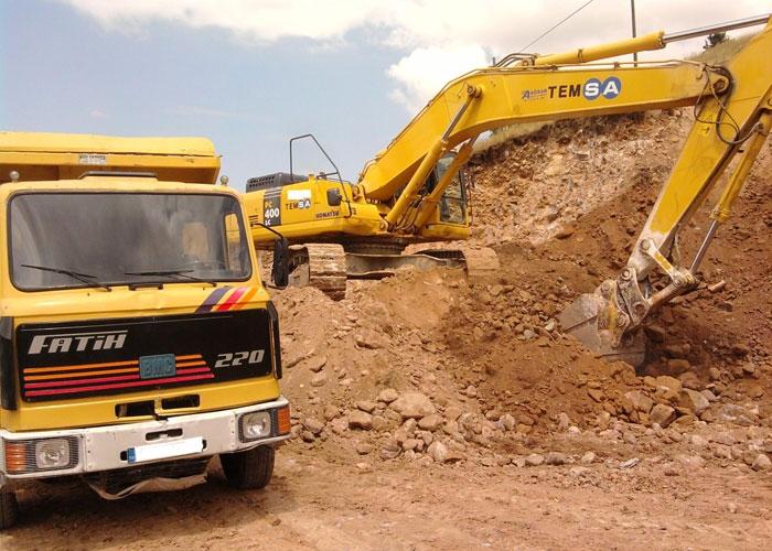 Hafriyat kamyonları  adeta terör estiriyor