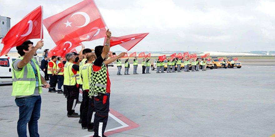 Milli takıma İstanbul'da karşılama töreni