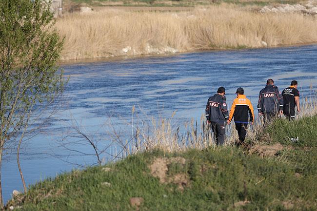 Kayseri'de ırmağa düşen kişi kayboldu
