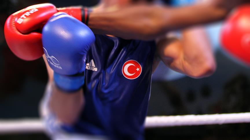 Türk boksörlerden iki madalya