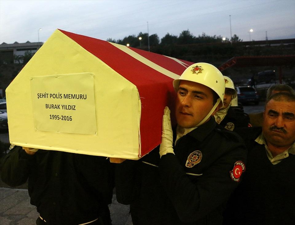Şehit Polisin Cenazesi Memleketinde