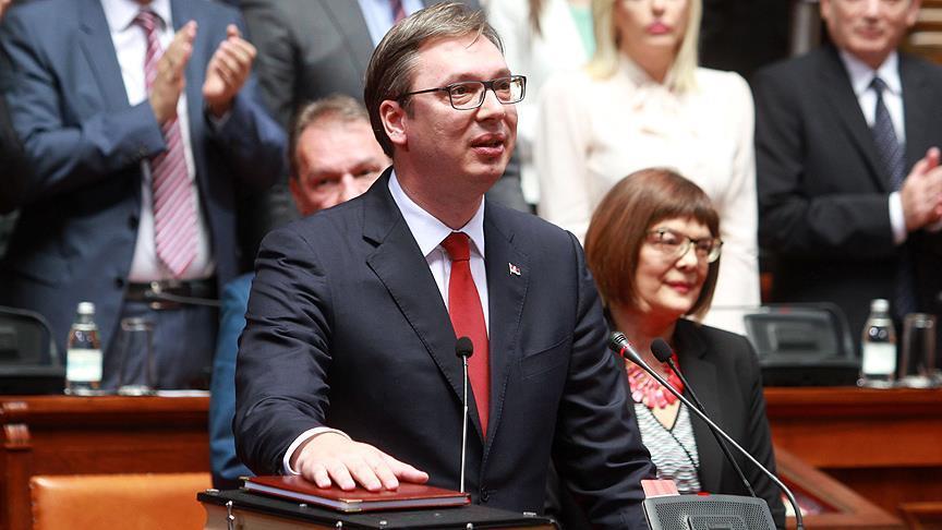 Sırbistan'ın yeni cumhurbaşkanı Vucic görevi devraldı