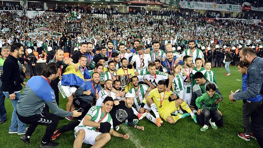 Atiker Konyaspor'da kupa coşkusu
