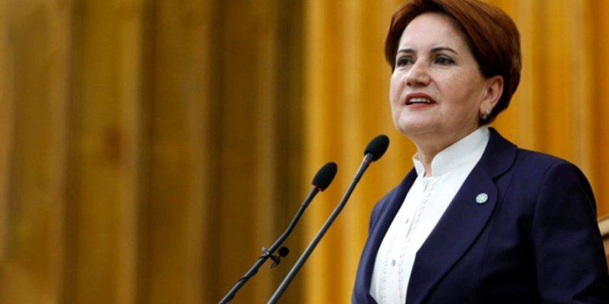 """Akşener: """"FETÖ'yü mahkemeden kurtaran AKP'li ve MHP'li yöneticiler kimler?"""""""