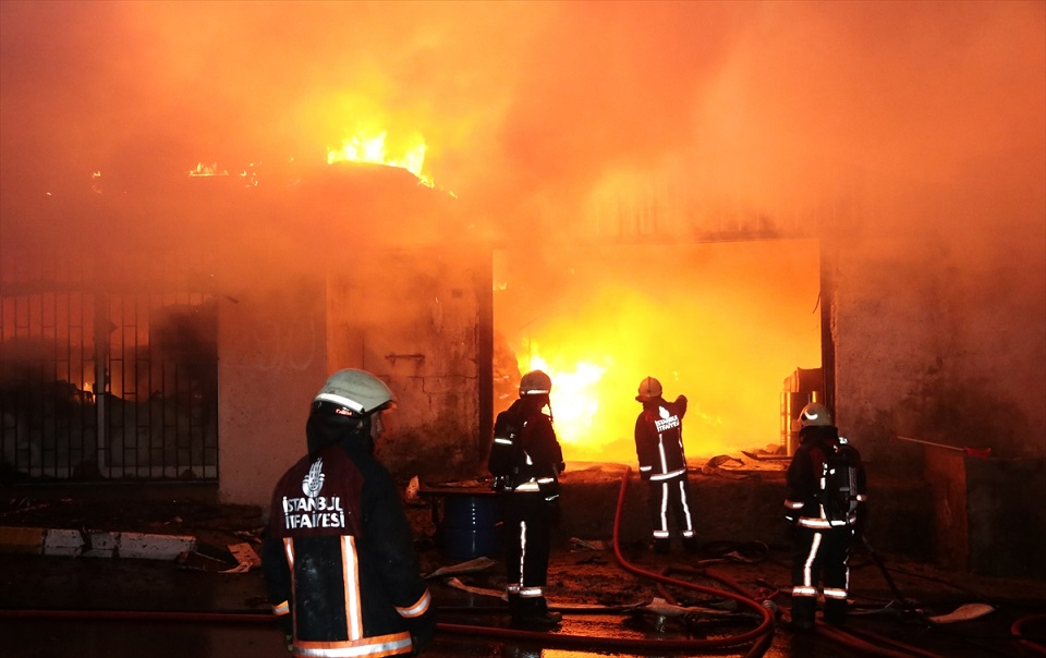 Sancaktepe'deki yangın