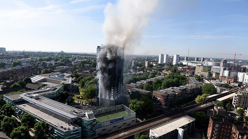 Londra'da dev yangın!