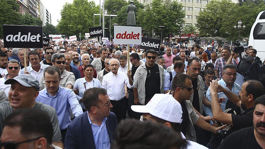 Berberoğlu'nun tutuklanmasına tepki yürüyüşü