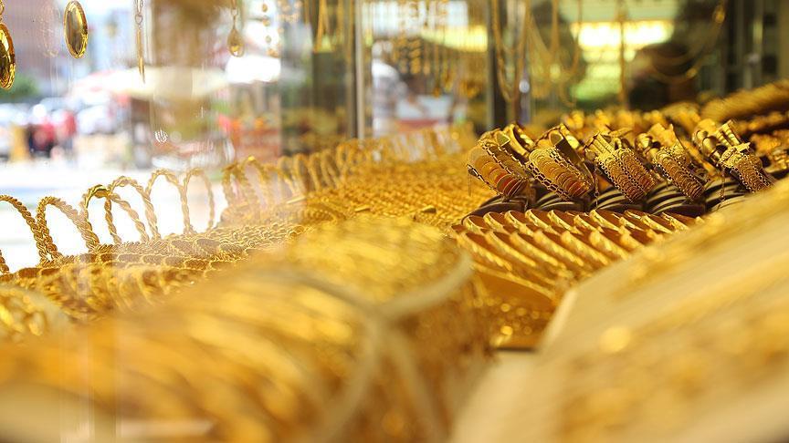 Altın günü 128 TL'den kapattı