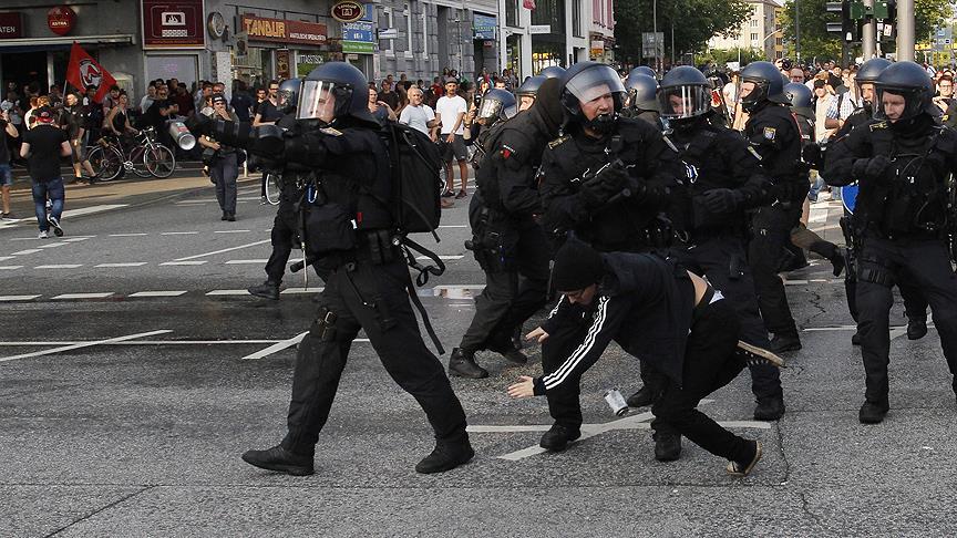 Hamburg'da gözaltı sayısı 265'e yükseldi