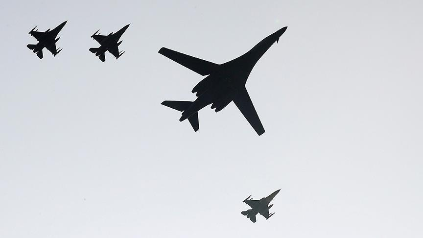 ABD bombardıman uçakları eğitim misyonu için Kore Yarımadası'nda