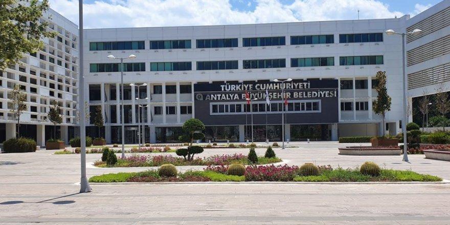 Türel'i eleştiren AKP'li başkana İYİ Parti'den cevap