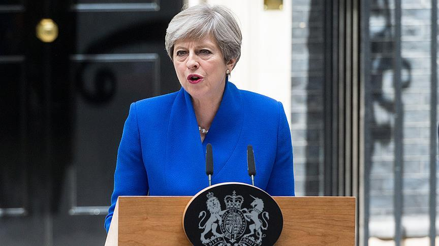 İngiltere başbakanı May seçim gecesi ağlamış