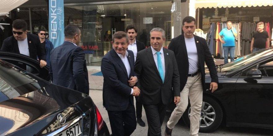 """Ahmet Davutoğlu, """"Reis""""in üzerini çizdi"""