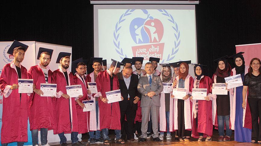 Türkçe öğrenen Suriyeli öğrenciler sertifikalarına kavuştu