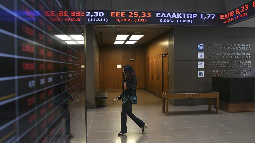 Yunanistan piyasalara geri dönüyor