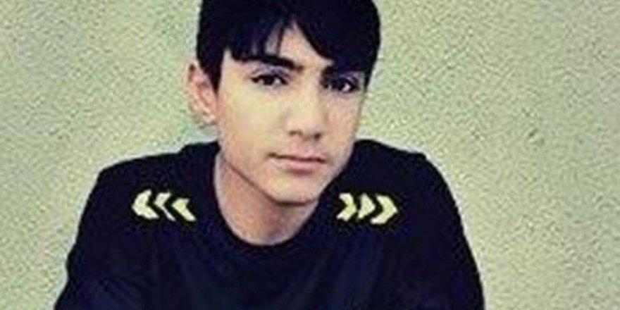 Üzerine yük asansörü düşen 18 yaşındaki genç öldü