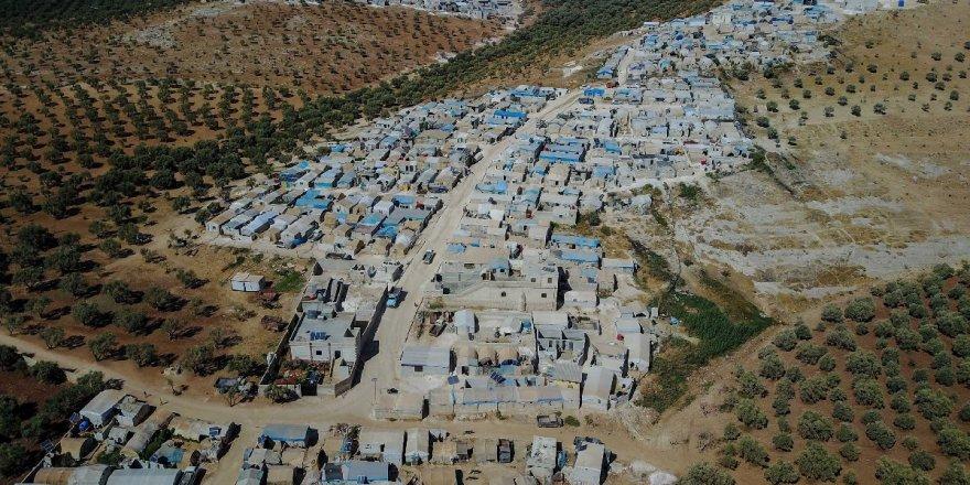 1 milyon Suriyeli daha Türkiye sınırına geldi