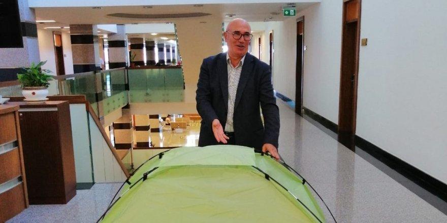 CHP'li Mahmut Tanal'dan dikkat çeken çadır paylaşımı