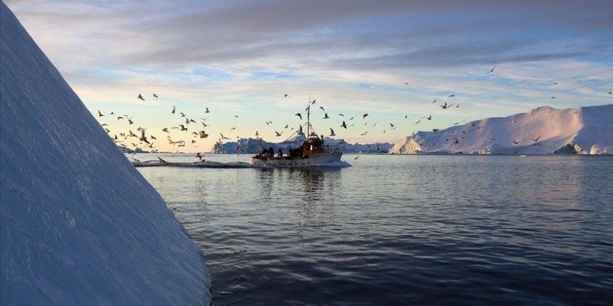 Grönland'da buzul koptu! Ölü ve yaralı var...