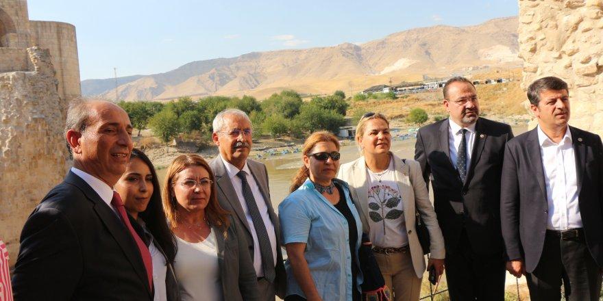 CHP'li heyetten Hasankeyf'e ziyaret