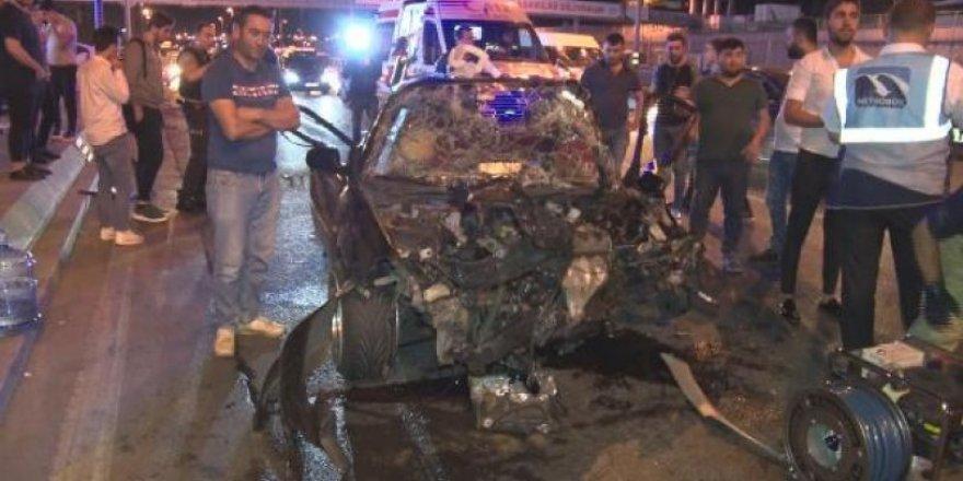 Kontrolden çıkan otomobil başka bir otomobile çarptı