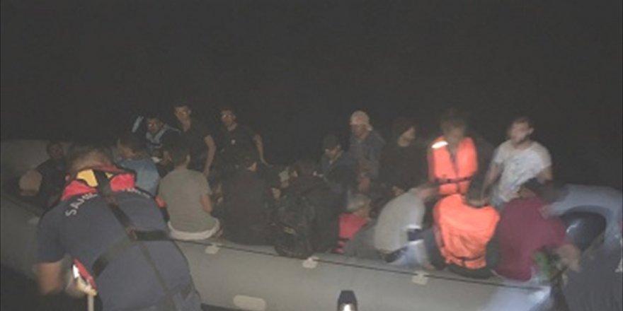 İzmir'de 234 kaçak göçmen yakalandı!