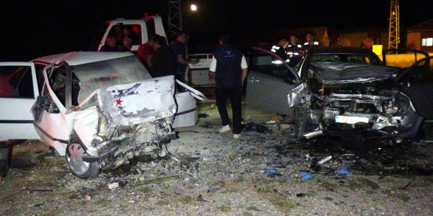 Nevşehir'de feci kaza: Ölü ve yaralılar var