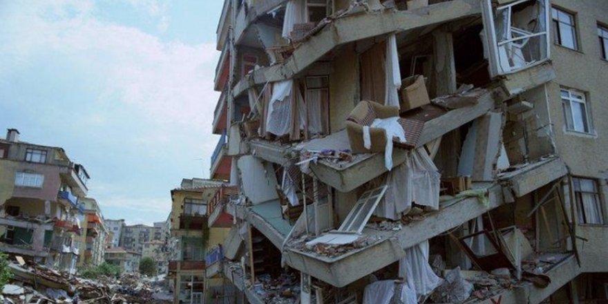 """Naci Görür'den deprem açıklaması: """"4.6 ve 5.8 büyük depremi öne çekti"""""""