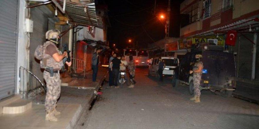Adana'da silahlı suç örgütüne operasyon