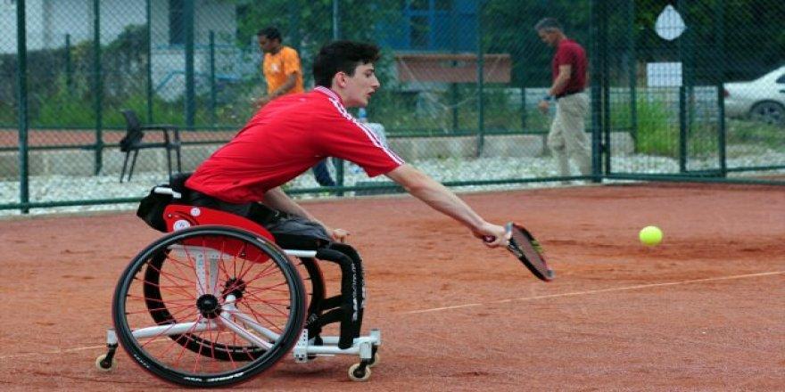 Tekerlekli sandalye tenis turnuvaları düzenlenecek