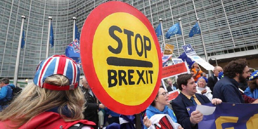 Brexit karşıtları Brüksel'de sokağa çıktı