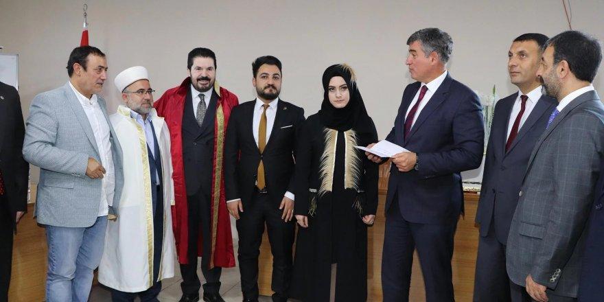 Metin Feyzioğlu'ndan nikah açıklaması