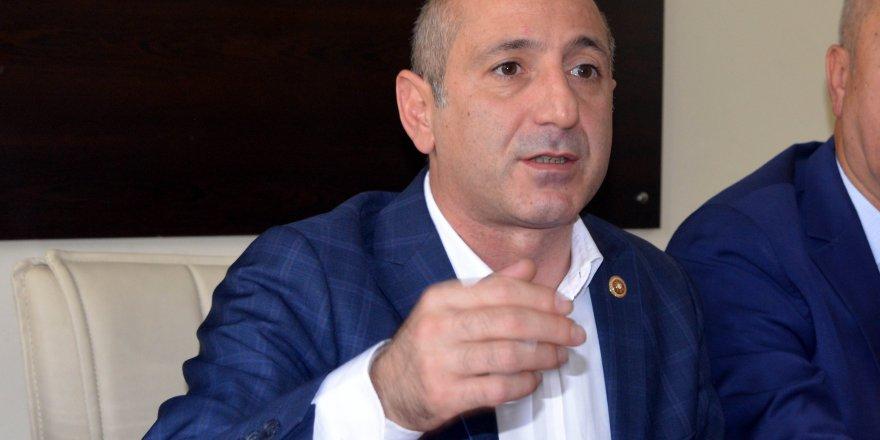 """CHP'li Öztunç: """"Dik durma vaktidir, iktidarıyla, muhalefetiyle"""""""
