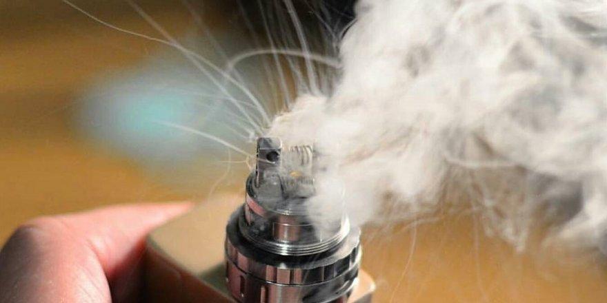 Elektronik sigarayı birkaç dakika solumak bile tehlikeli